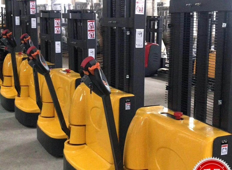 Electric walkie forklift stacker made in china5.jpg