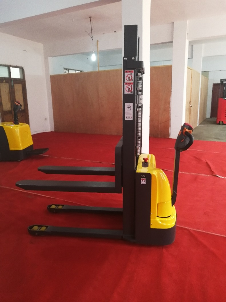 Electric walkie forklift stacker made in china8.jpg