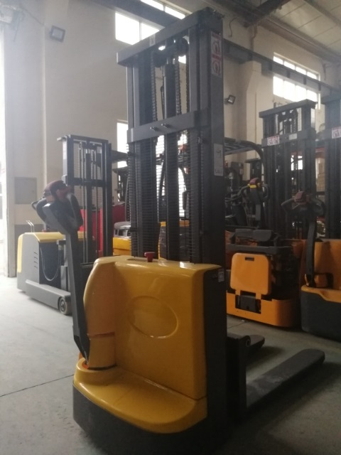 Electric walkie forklift stacker made in china7.jpg