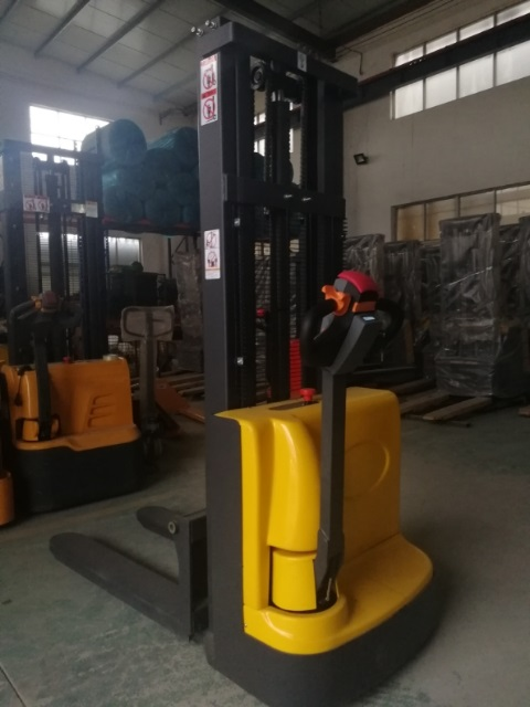 Electric walkie forklift stacker made in china11.jpg