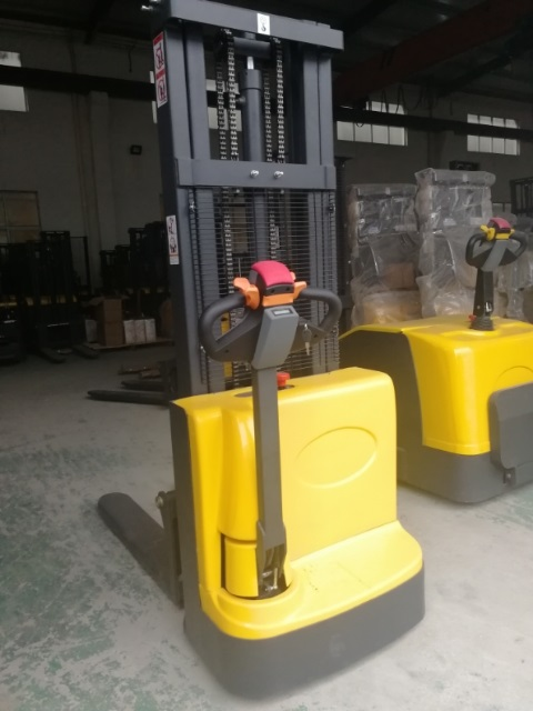 Electric walkie forklift stacker made in china12.jpg