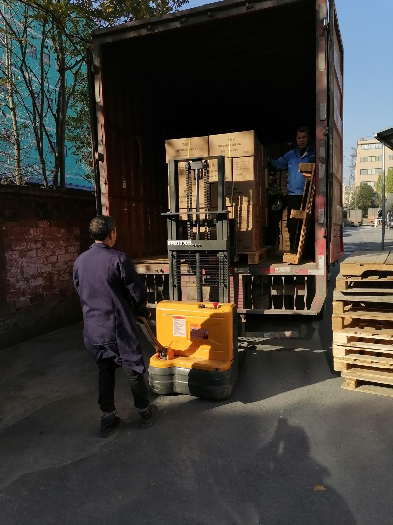 Electric walkie forklift stacker made in china13.jpg