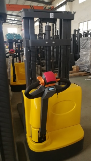 Electric walkie forklift stacker made in china17.jpg