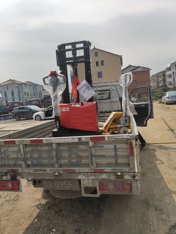 Electric walkie forklift stacker made in china30.jpg