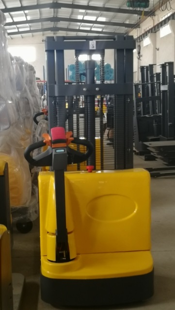 Electric walkie forklift stacker made in china33.jpg