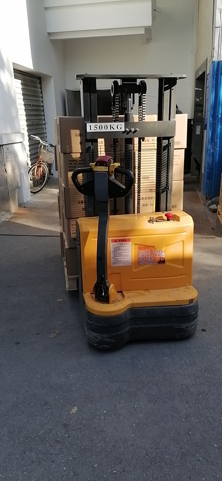 Electric walkie forklift stacker made in china32.jpg