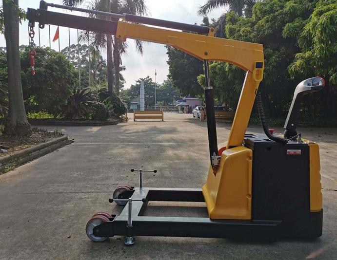 3300USD electric floor crane.jpg